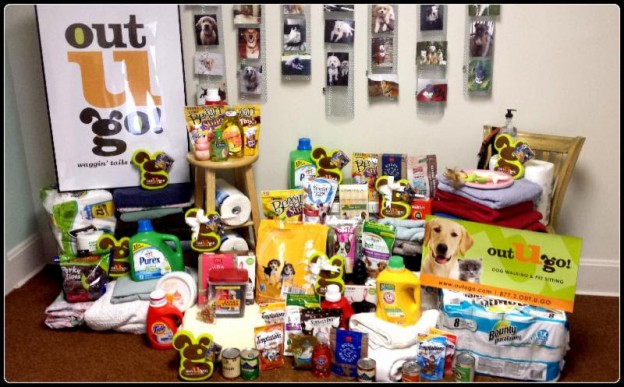 naperville-hands-for-paws-holiday-donation-drive-naperville-area-humane-society