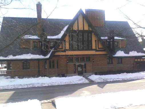 One of our favorite dog walking routes in Oak Park passes the Frank Lloyd Wright Home and Studio